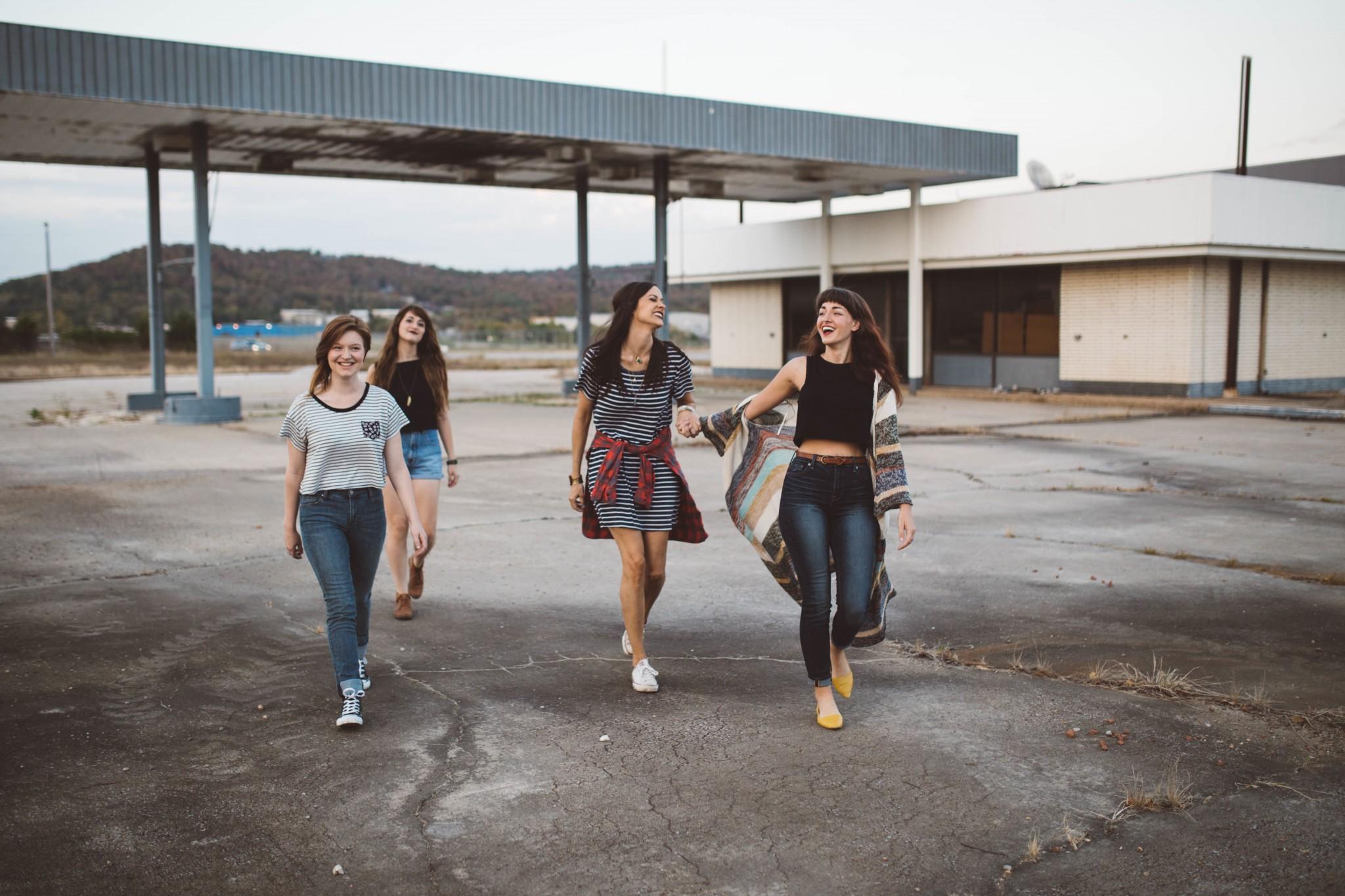 group_of_teens.jpg