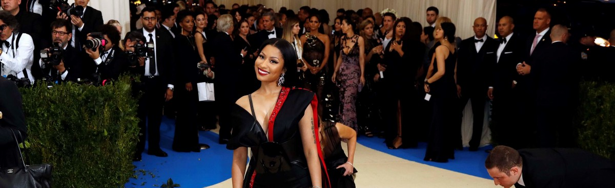 'Generous Queen' Nicki Minaj pledges on Twitter to pay fans' student fees