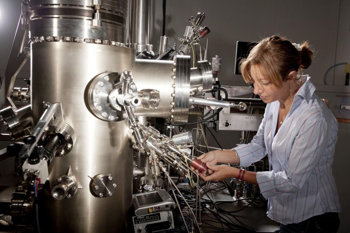 University of Geneva: Master the complexities of physics
