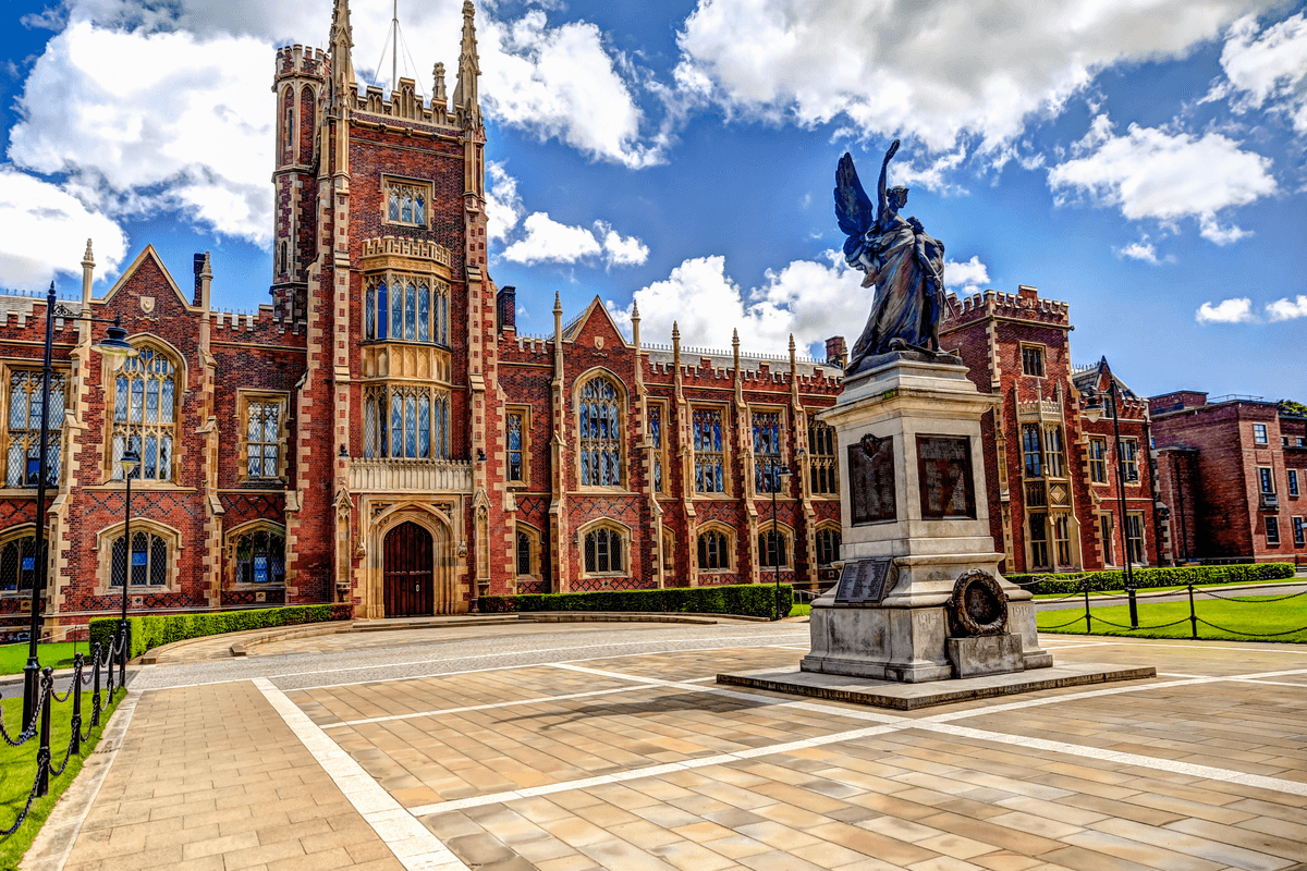 PhD scholarships available for Chinese students at Queen's University