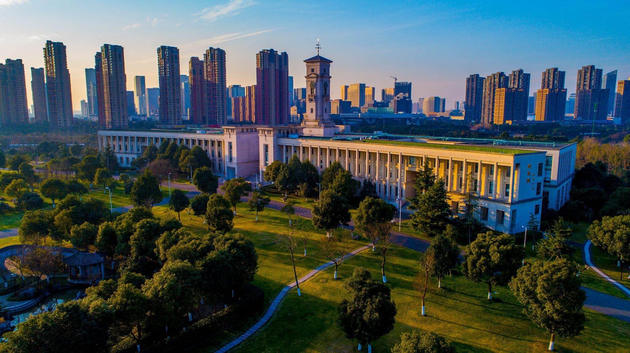 Here's what getting a top UK degree in China is like
