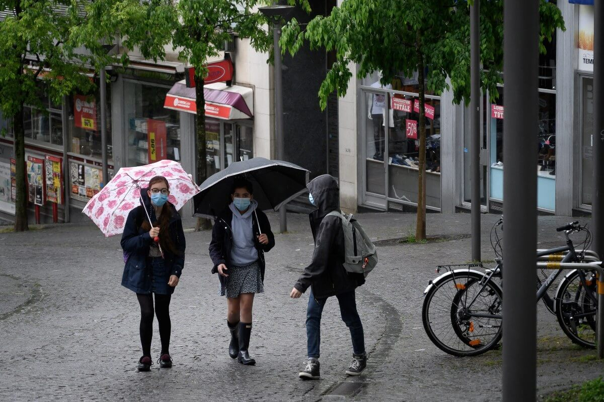 Swiss school closures cut COVID-19 spread: study