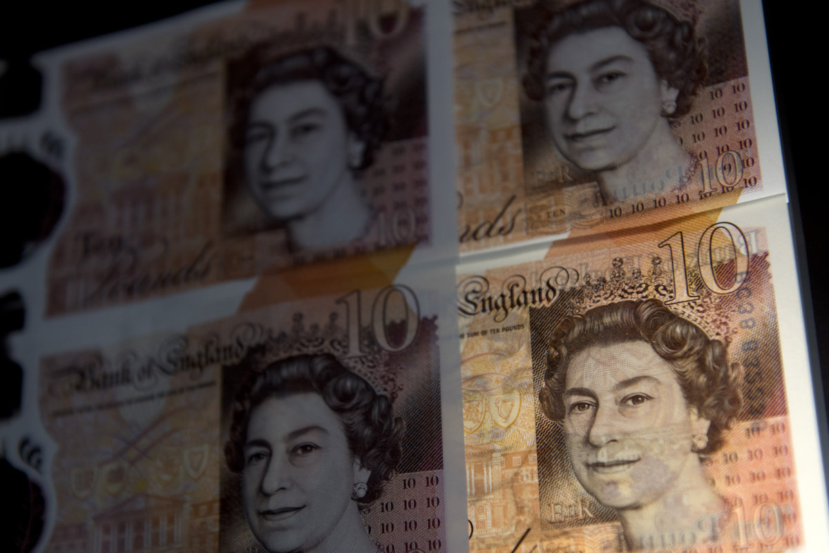 UK tuition fees temporarily frozen for 2021-22