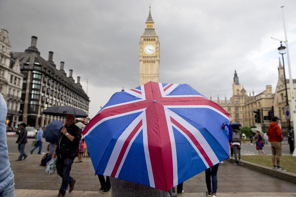 More deferrals in 2020 before 'a path back to normal in 2021' for UK unis: expert