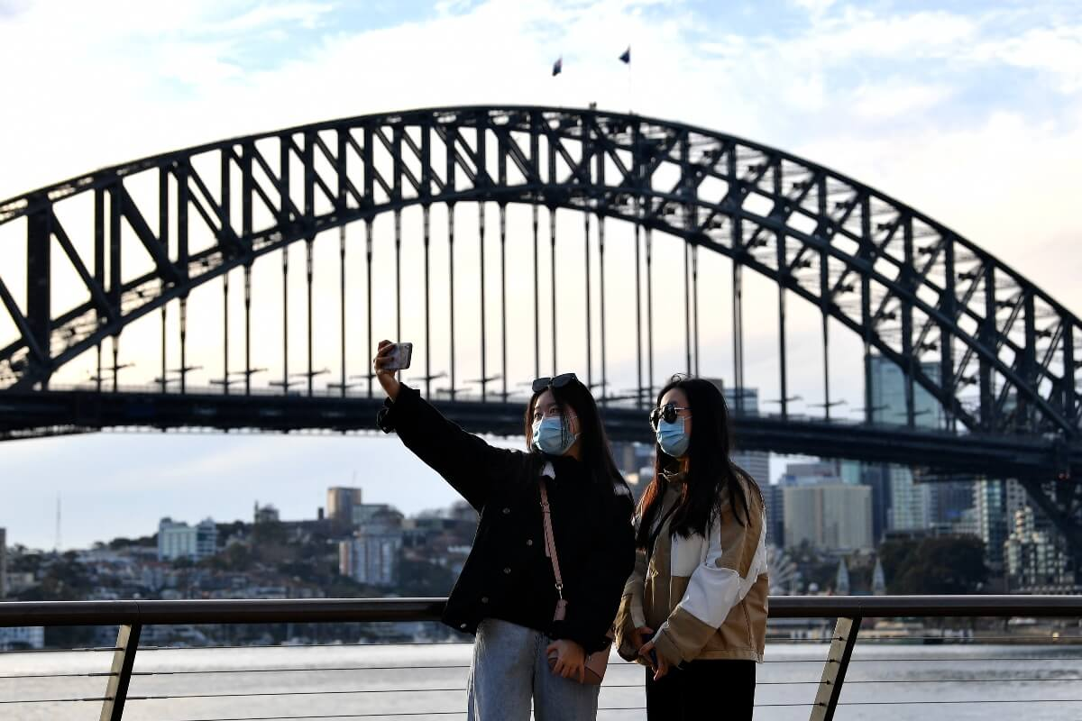 'Unfair to keep us in the dark': International students campaign for their return to Australia