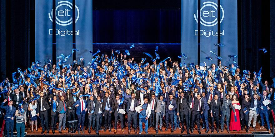 Breakthrough innovation of EIT Digital Master School students amazes global community of Apache Flink users