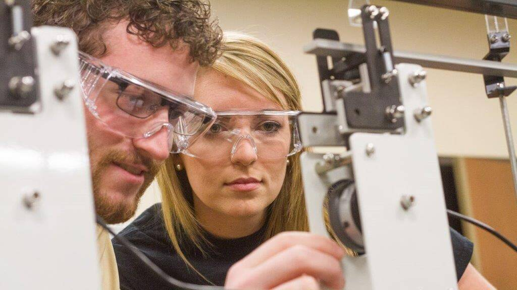 Design the machines of tomorrow with these mechanical engineering programmes