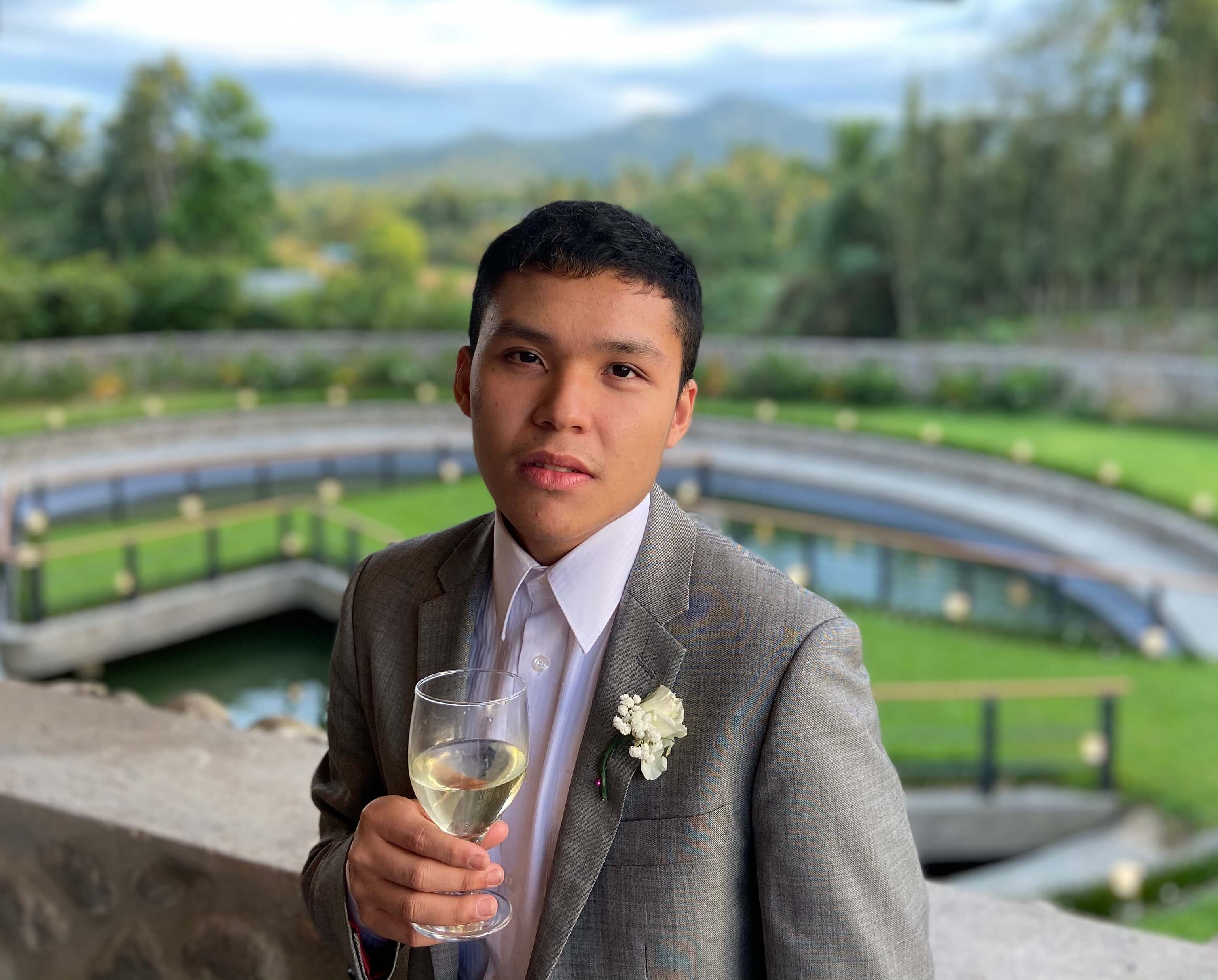 Filipino student is the first to win an LGBT scholarship in Canada